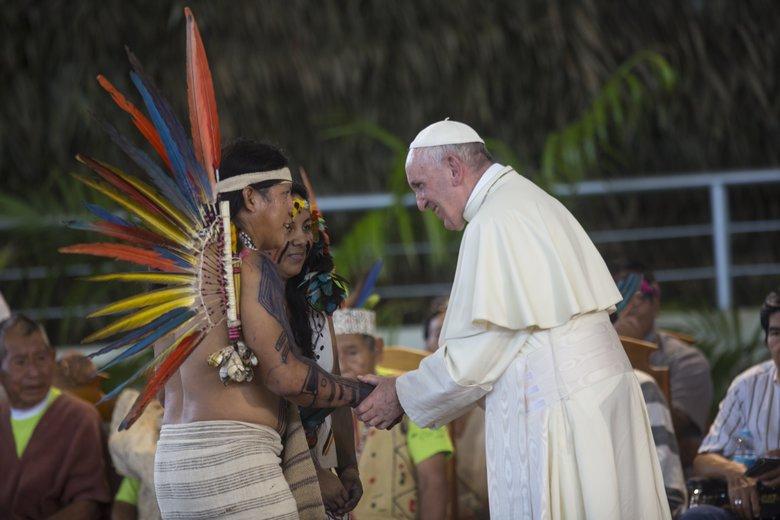 """ĐGH Phanxicô lên án những chính sách """"bóp nghẹt"""" thổ dân ở Amazon"""